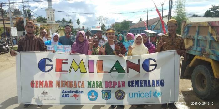 MANTAP JIWA!!!!! KEMITRAAN UNIMUDA SORONG – UNICEF RAMAIKAN KARNAVAL PGRI DALAM RANGAKAIAN HARDIKNAS KABUPATEN SORONG
